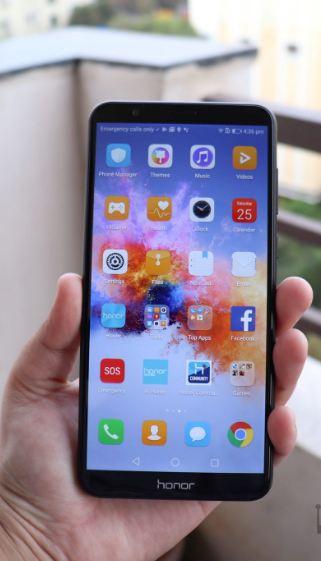कमीत-कमी किंमतीमध्ये स्मार्टफोन खरेदी करण्याचा विचार करत असाल तर तुमच्यासाठी आनंदाची बातमी आहे. फ्लिपकार्टने ऑनर कंपनीच्या फोनवर सेल देण्याचं ठरवलं आहे. या सेलचा फायदा घेऊन तुम्ही ऑनर कंपनीचा कोणताही फोन घेऊ शकता.