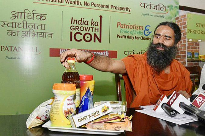खादी उत्पादनंही विकणार- रामदेव यांचे प्रवक्ता एस.के. तिजारावाला म्हणाले की, आपल्या देशात फॅब इंडियासारख्या परदेशी कंपन्या खादी उत्पादनं विकत आहेत.