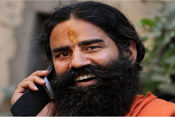 बाबा रामदेव यांच्या मते, पतंजली असं प्रत्येक प्रोडक्ट बनवेल जे परदेशी कंपन्या भारतात येऊन विकत आहेत.