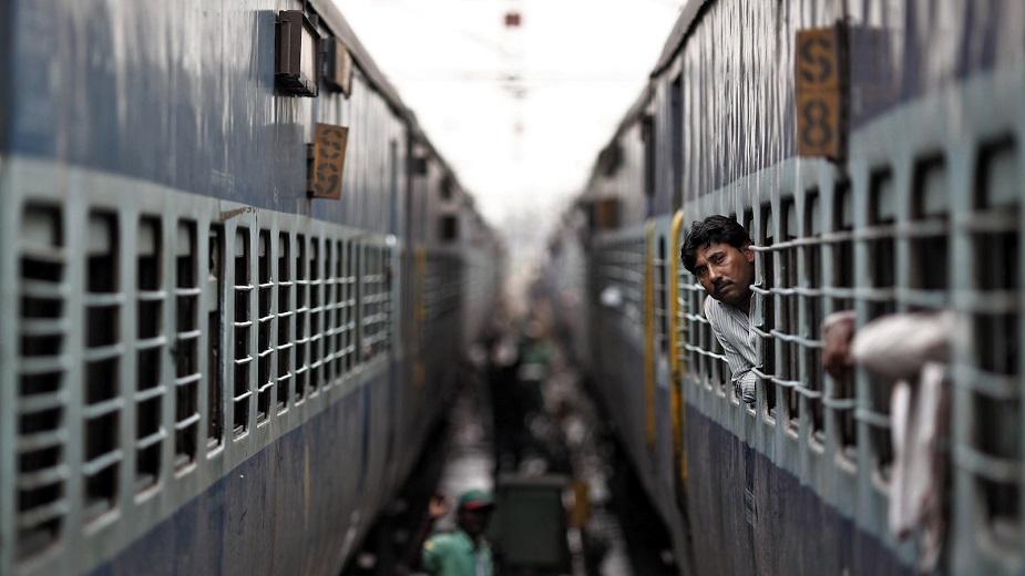 तुम्ही ज्या ठिकाणी प्रवास करणार आहात तेथील स्पेशल ट्रेनमध्ये तात्काळ तिकिट बुक करू नये. अशा ट्रेनमध्ये तिकिट निश्चित होणं कठीण असतं.