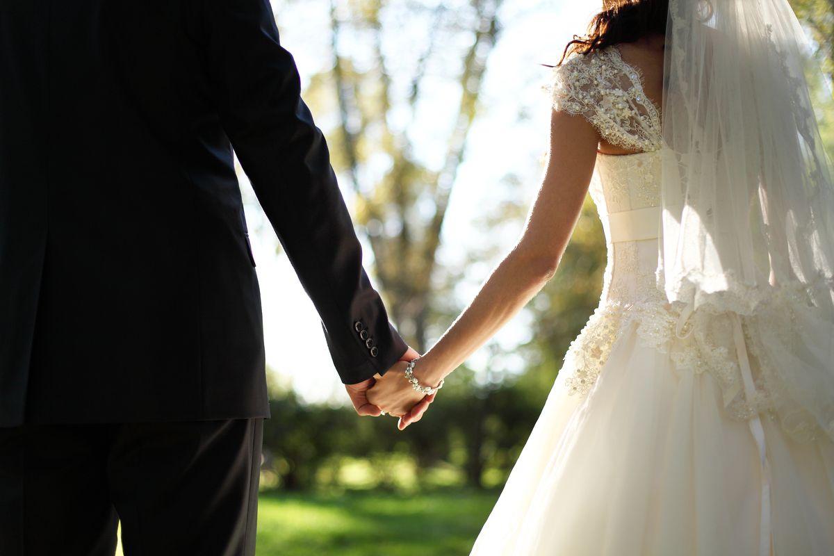 आताच्या पिढीला लग्नच्या जबाबदारीत पडू नये असंच वाटतं. याबद्दल त्यांना विचारले असता त्यांची स्वतःची अशी काही कारणंही आहेत.