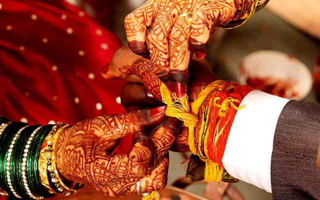 लग्नात होणाऱ्या खर्चांचा त्यांना प्रचंड तिटकारा असतो. त्यामुळे एवढा खर्च करण्यापेक्षा लग्न न करणंच ते योग्य समजतात.