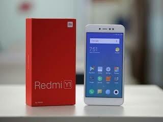 Redmi Y1 या फोनमध्ये 4GB रॅम आणि 64GB इंटरनल स्टोअरेज आहे. Y1 या फोनमध्ये 13 मेगापिक्सल बॅक आणि 16 मेगापिक्सल फ्रंट कॅमेरा आहे. या फोनची किंमत फक्त 14 हजार रूपये इतकी आहे.