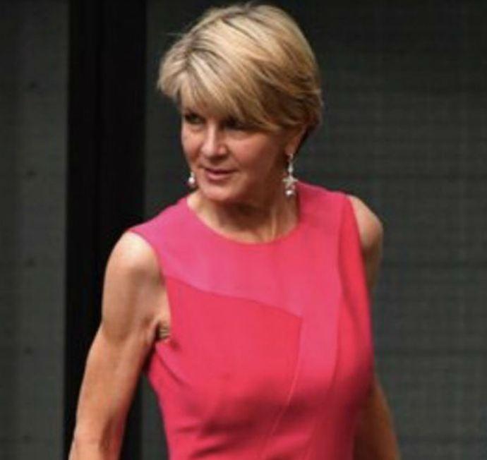 सोशल मीडियावर ऑस्ट्रेलियातील महिलांनी पहिल्यांदा हे असे स्लीव्हलेस फोटो शेअर केले आणि तेसुद्धा फॅशन म्हणून नाही, तर निषेध म्हणून.