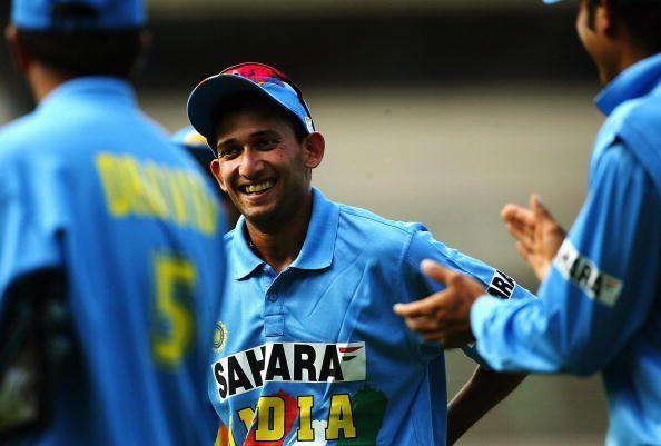आगरकरचा जन्म ४ डिसेंबर १९७७ मुंबईत झाला. त्याने जलदगती गोलंदाज म्हणून त्याने भारताचे प्रतिनिधीत्व केले. तो उत्कृष्ट फलंदाजही होता. अनेकदा तो मैदानात अष्टपैलू खेळाडू म्हणूनच उतरायचा. अजितने १९९८ मध्ये ऑस्ट्रेलियाविरुद्धच्या एकदिवसीय सामन्यातून क्रिकेट जगतात पदार्पण केले.