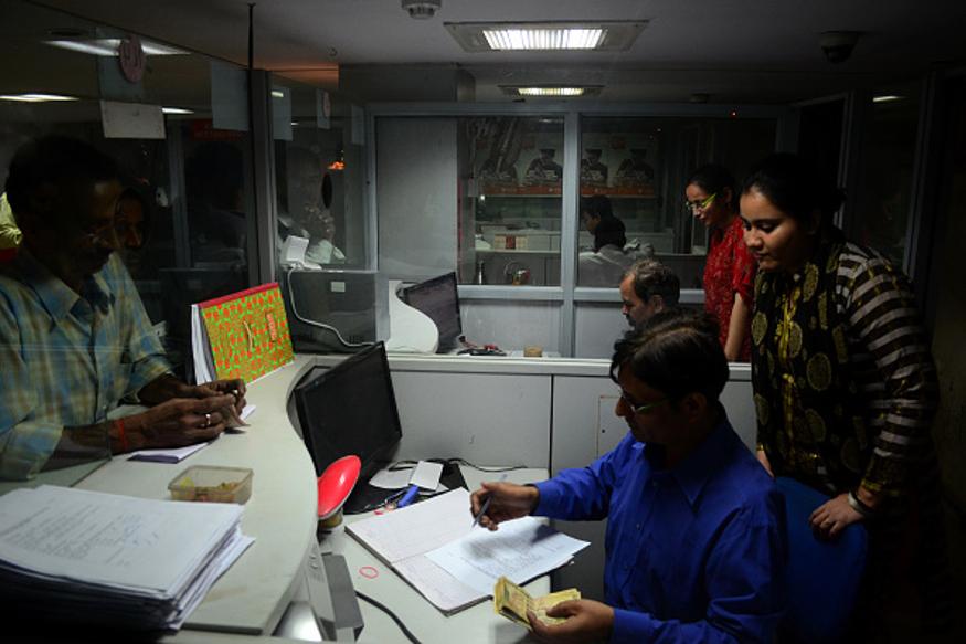 IDFC चं नावही बदलून IDFC फर्स्ट बँक असं करण्यात आलं आहे. ग्रामीण भागातही या बँकेच्या शाखा आहेत.