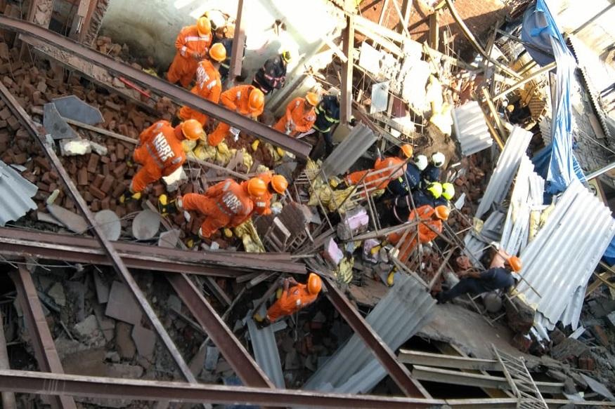 मुंबईत इमारत कोसळली; एकाचा मृत्यू,  8 जण जखमी