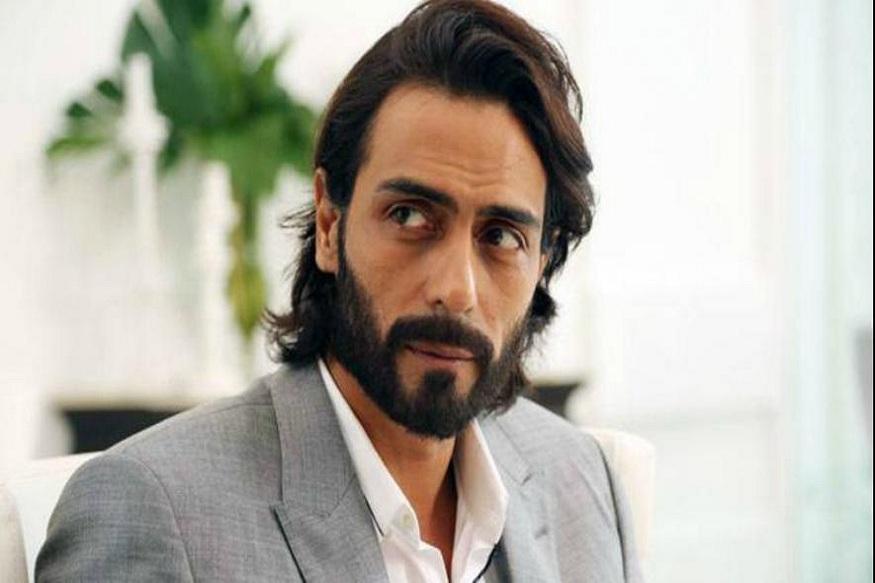 पैशांमुळे अभिनेता अर्जुन रामपालच्या विरोधात केली तक्रार