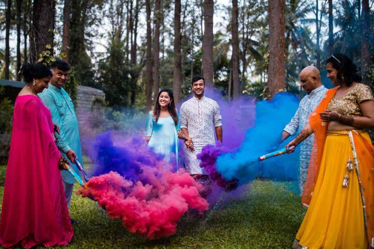 मयंकने सहा महिन्यांपूर्वी त्याची लहानपणीची मैत्रीण आशिताशी लग्न केले. लग्नाच्या अवघ्या काही महिन्यातच त्याला लॉटरी लागली आणि टीम इंडियाकडून आता तो पदार्पण करत आहे.