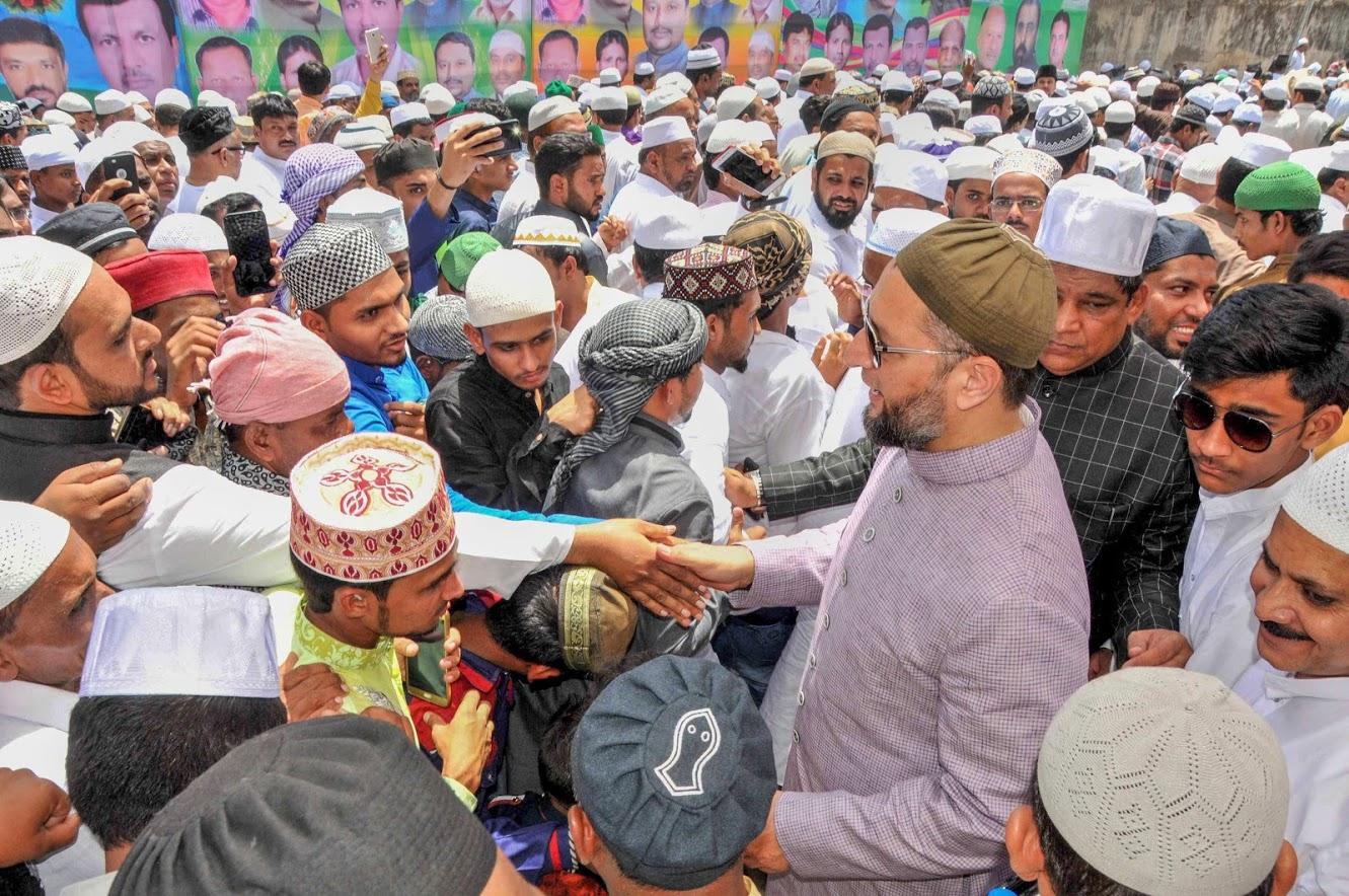 हैदराबादमध्ये विधानसभेच्या 7 जागा आहेत. मुस्लिम बहुल असलेल्या या जागांवर कायम 'MIM'चं वर्चस्व राहिलं आहे. इथल्या सात पैकी 'MIM'ने मागच्या वेळी 7 जागांवर विजय मिळवला होता. खासदार असादुद्दीन ओवेसी हे या पक्षाचे प्रमुख आहेत.