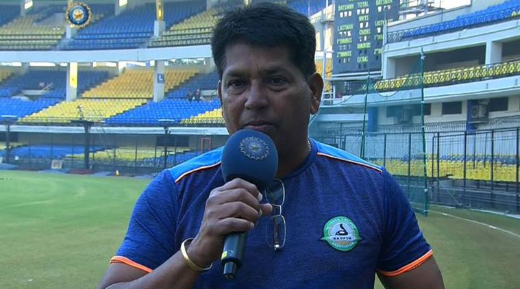 चंद्रकांत पंडित- चंद्रकांत हे भारताचे यष्टीरक्षक आणि राईट हँडेड बॅट्समन होते. त्यांनी १९८६ ते १९९२ या कालवधीत भारताचे प्रतिनिधीत्व केले. या काळात त्यांनी ५ कसोटी सामने आणि ३६ एकदिवसीय सामने खेळले.