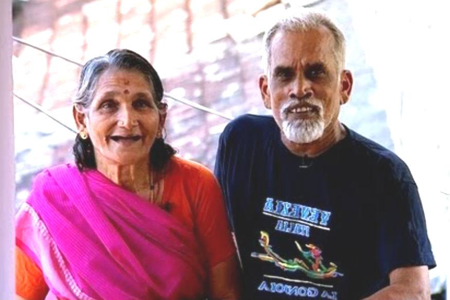 विजयन 68 वर्षांचे आहेत तर मोहना 67 वर्षांच्या आहेत. त्यांच्या चहाच्या दुकानाचं नाव 'श्री बालाजी कॉफी हाऊस' आहे. हे दोघजण सकाळपासूनच त्यांच्या कामाला सुरुवात करतात. ते संध्याकाळपर्यंत अशी काही बचत करतात की, ते त्या पैशांमध्ये 25 देश फिरले आहेत.