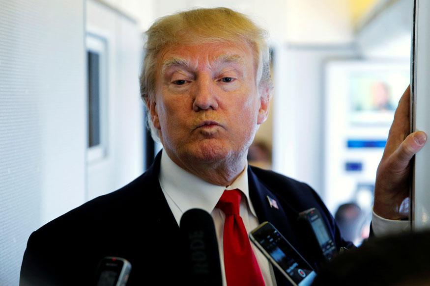 फॅक्ट चेकर्स आणि वॉशिंग्टन पोस्टने अमेरिकेचे राष्ट्राध्यक्ष डोनाल्ड ट्रम्प यांच्या २ वर्षातील खोट्या आश्वासनांवर संशोधन केलं आहे. यात त्यांनी ट्रम्प कितीवेळा खोटं बोलले याची माहिती दिली आहे.