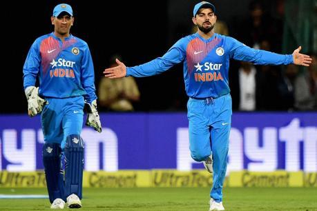 ऑस्ट्रेलियाविरुद्धच्या सामन्यात धोनीने 87 धावा करत भारताला वनडे मालिकेत ऐतिहासिक विजय मिळवून दिला. या मालिकेतील दुसऱ्या सामन्यातही धोनीनेच सामना जिंकून देण्यात महत्त्वाची भूमिका बजावली होती.
