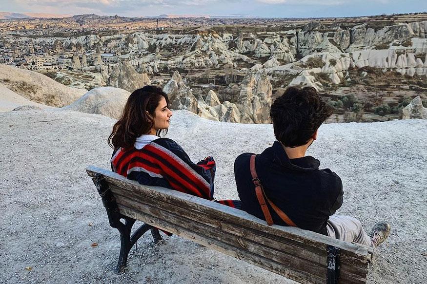 फतिमा आणि तिचा भावाने निसर्गाचा अविष्कार पाहण्यासाठी तुर्कीतील कप्पाडोसियाला भेट दिली होती.