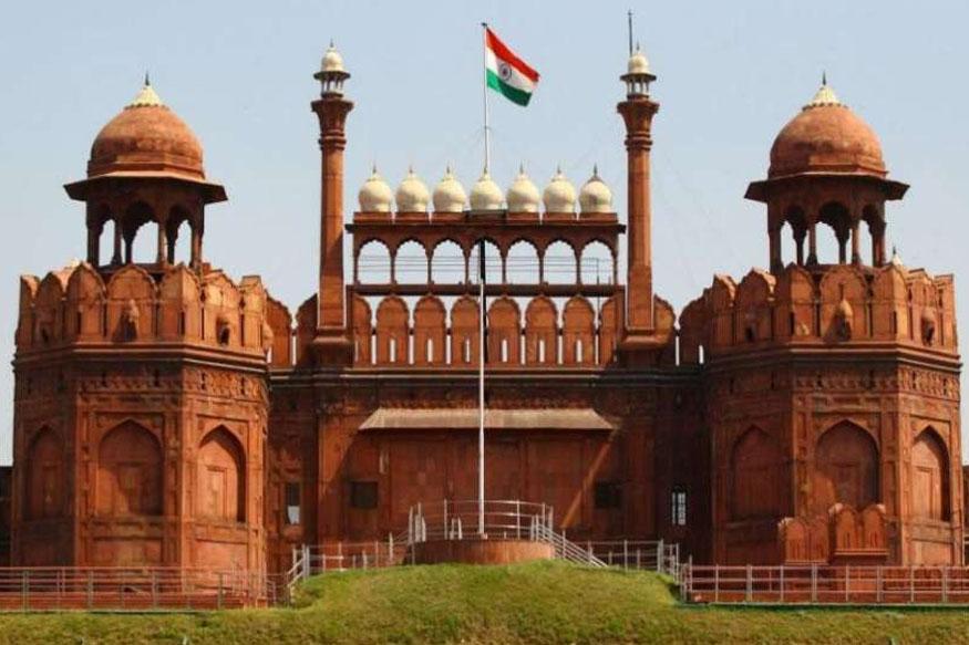 दिल्लीतील रायसीनी हिल पासून संचलनाला सुरूवात होते. त्यानंतर राजपथ, इंडिया गेटमधून लाल किल्ल्यापर्यंत हे संचलन केले जाते.