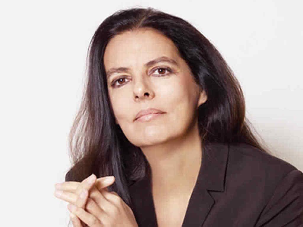 सध्या जगातली सर्वांत श्रीमंत महिला आहे लॉरिएल ब्युटी प्रॉडक्ट्सची मालकीण. फ्रान्स्वा बेटेनकोर्ट मेयर्स ही लॉरिएलची मालकीणीची संपत्ती 45.6 अब्ज डॉलर आहे.