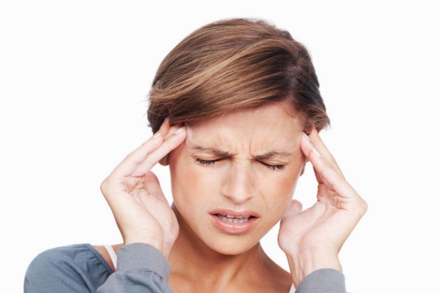 डोकेदुखी आणि पायाला सूज हा त्रास होऊ शकतो. त्याची काळजी घ्या.