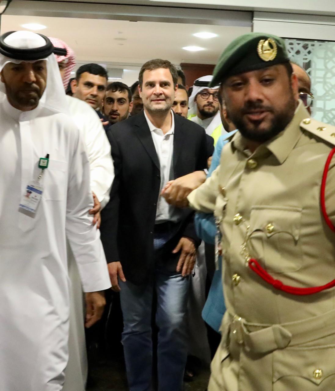 महात्मा गांधी यांच्या 150व्या जयंतीनिमित्त दुबई क्रिकेट स्टेडियममध्ये 11 जानेवारीला मोठा सांस्कृतिक कार्यक्रमाचं आयोजिन करण्यात आलं आहे.