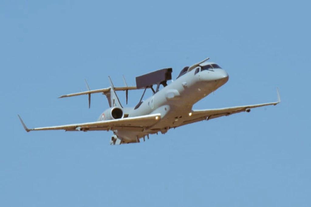 भारताच्या हवाई दलाने पाकव्याप्त काश्मीरमध्ये घुसून दहशतवाद्यांचा तळ उद्ध्वस्त केला. भारताच्या या Air Strike ने पाकिस्तान पुरता भेदरला आहे. हवाई दलाने केलेली ही आतापर्यंतची सर्वात मोठी कारवाई ठरली आहे.