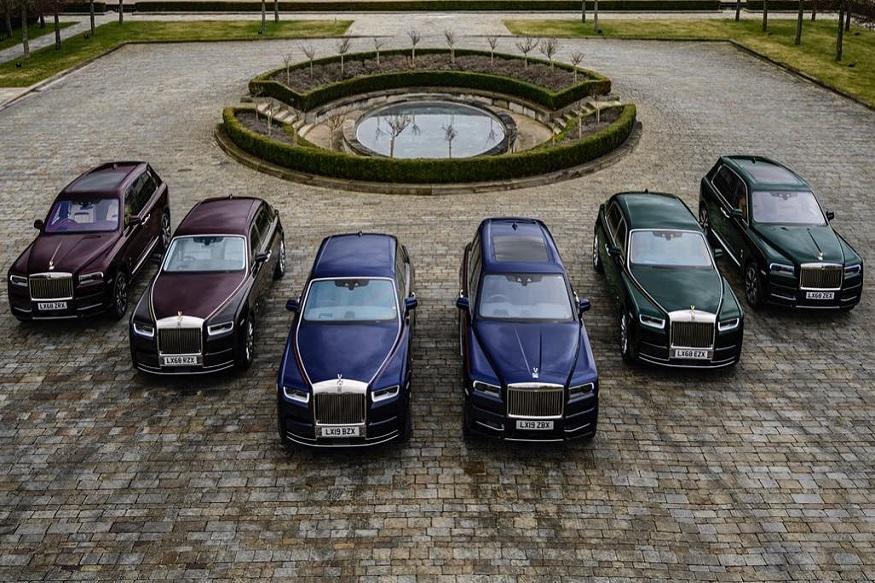 ब्रिटनचे बिल गेटस अशी ओळख असलेल्या भारतीय वंशाच्या रुबेन सिंह हे एकाचवेळी सहा रोल्स रॉयस कार खरेदी केल्याने चर्चेत आले आहेत. या कारच्या कलेक्शनला रुबेन यांनी 'Jewels Collection by Singh' असं नाव दिलं आहे. सहा गाड्यांच्या खरेदीसाठी त्यांनी 50 कोटी रुपये खर्च केले.