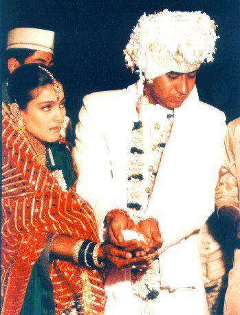 दोघांनी मराठमोळ्या पद्धतीने लग्न केलं. लग्नानंतर काजोलने सिनेमात काम करणं सोडलं नाही. यानंतर तिने अजय देवगणसोबत राजू चाचा, दिल क्या करे यांसारखे सिनेमे केले.
