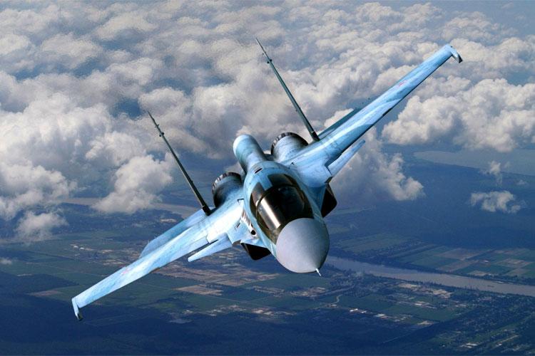 Su-30Mki: Su-30Mki हे वायुसेनेचं असं लढाऊ विमान आहे जे 21व्या शतकाच्या गरजेनुसार बनवलंय. रशियामध्ये तयार झालेलं सुखोई-30 जेट फाइटर हे सर्वात प्रभावी लढाऊ विमान मानलं जातं. याची लांबी 21.93 मीटर आहे, तर रुंदी 14.7 मीटर आहे. याचं हत्यारांशिवायचं वजन 18 हजार 400 कि.ग्रॅम आहे. यात हत्यारं टाकली तर वजन 26 हजार कि.ग्रॅम होतं. याचा वेग 2100 किमी. प्रति तास आहे. कितीही प्रतिकुल हवामानात हे लढाऊ विमान काम करतं.
