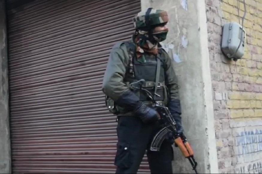 भारतीय हवाई दलाने Air Strike केल्यानंतर लष्कराने शोपियानमध्ये दोन दहशतवाद्यांचा खात्मा केला आहे.