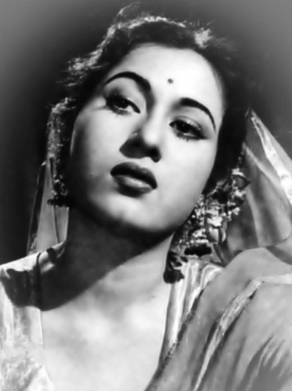 त्यावेळी मधुबाला के. आसिफ यांच्या मुगल-ए-आझम सिनेमाचं चित्रीकरण करत होती. त्या काळात मधुबालाची तब्येत फार बिघडली. आपल्या सौंदर्याची आणि आरोग्याची काळजी राखण्यासाठी मधुबाला घरात उकळलेल्या पाण्याशिवाय काहीच खात- पित नव्हती.