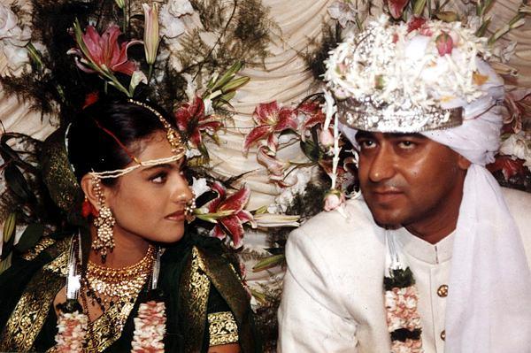 अजयने एका मुलाखतीत आपल्या लग्नाबद्दल बोलताना म्हटले होते की, 'मला अतिशय साध्या पद्धतीने लग्न करायचं होतं. यामुळे लग्नाची सर्व तयारी शांतपणे करण्यात आली. मात्र लग्नाच्या काही दिवसआधी प्रसारमाध्यमांना लग्नाची गोष्ट कळली आणि त्यांनी ती वृत्तपत्रात छापली.'
