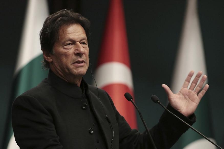 'पाकिस्तान ढोंगी देश आणि इम्रान खान हा लष्काराच्या हातातलं बाहुलं'