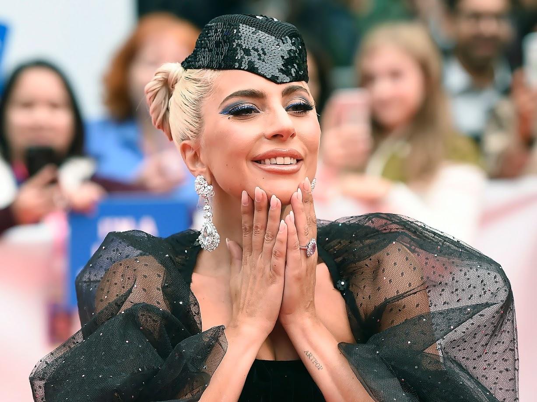 लेडी गागा ही आंतरराष्ट्रीय दर्जाची पॉप सिंगर आहे. तिचं मूळ नाव स्टेफनी जोआन एंजेलीना जर्मानोत्ता असं आहे. २००३ मध्ये लेडी गागाने करिअरला सुरुवात केली.