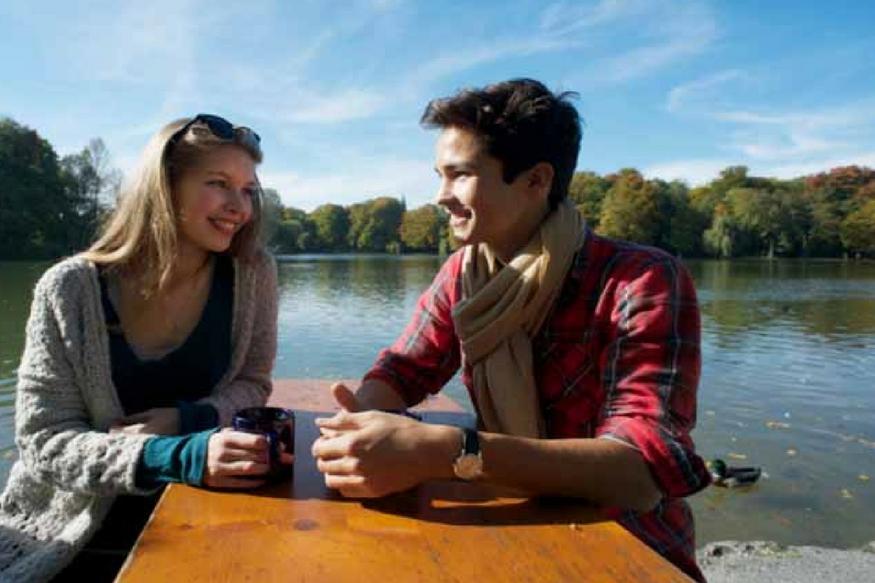 बाॅयफ्रेंडनं चुकूनही गर्लफ्रेंडजवळ या गोष्टी बोलू नयेत, नाही तर तुटेल Relationship