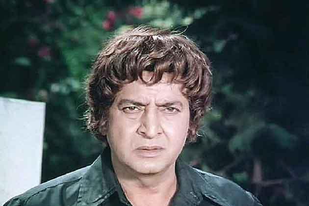 लाहोर सिनेसृष्टीत खलनायक म्हणून प्रसिद्ध होत असलेल्या प्राण यांना हिंदी सिनेसृष्टीत पहिली संधी १९६५ मध्ये 'खानदान' सिनेमातून मिळाली. दलसुख पांचोली यांच्या या सिनेमात त्यांच्यासोबत अभिनेत्री म्हणून नूरजहाँ होत्या.
