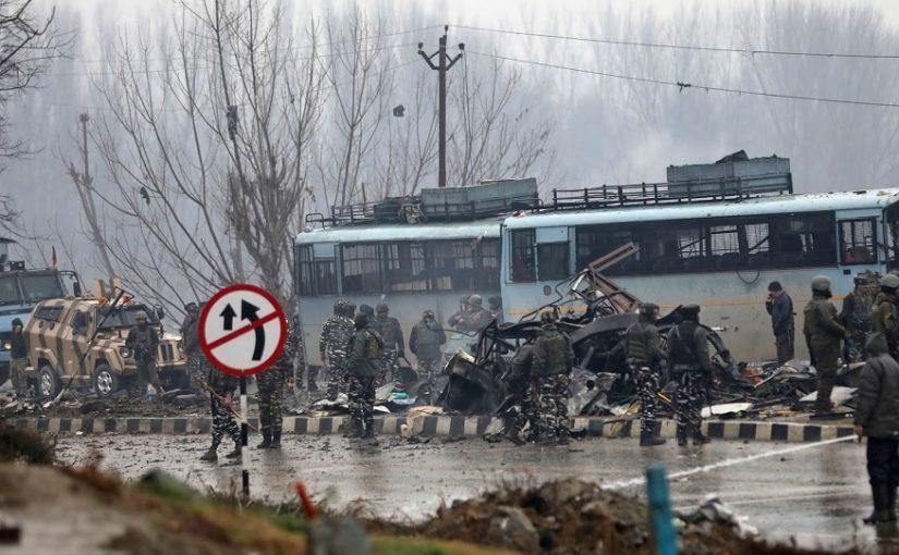 पुलवामा येथे 14 फेब्रुवारी 2019 या दिवशी दहशतवाद्यांनी आत्मघातकी हल्ला केला. त्यामध्ये 40 जवान शहीद झाले. या हल्ल्यानंतर देशभरातून दहशतवादी आणि पाकिस्तानविरोधात संतापाची लाट उसळली आहे.