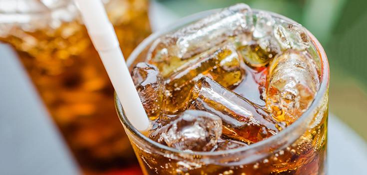 प्रमाणाबाहेर सोडा प्यायला तर नक्कीच अॅसिडीटी होते. सोड्यात कॅफीन असतं. त्याचा त्रास होतो.