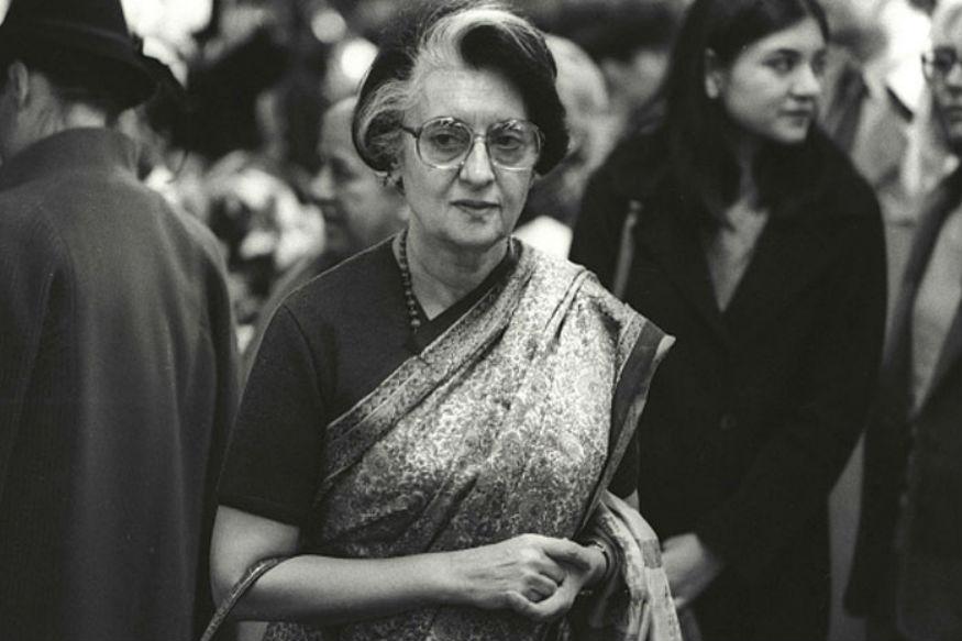 गांधी परिवारात13 मार्च 1980 ला एका मुलाचा जन्म झाला. त्याच्या जन्मानंतर तीन महिन्यांनी वडील संजय गांधीचा मृत्यू झाला. माजी पंतप्रधान इंदिरा गांधींचा नातू असलेल्या वरुण यांनी गांधी परिवारातील असूनही काँग्रेसऐवजी भाजपची वाट धरली.