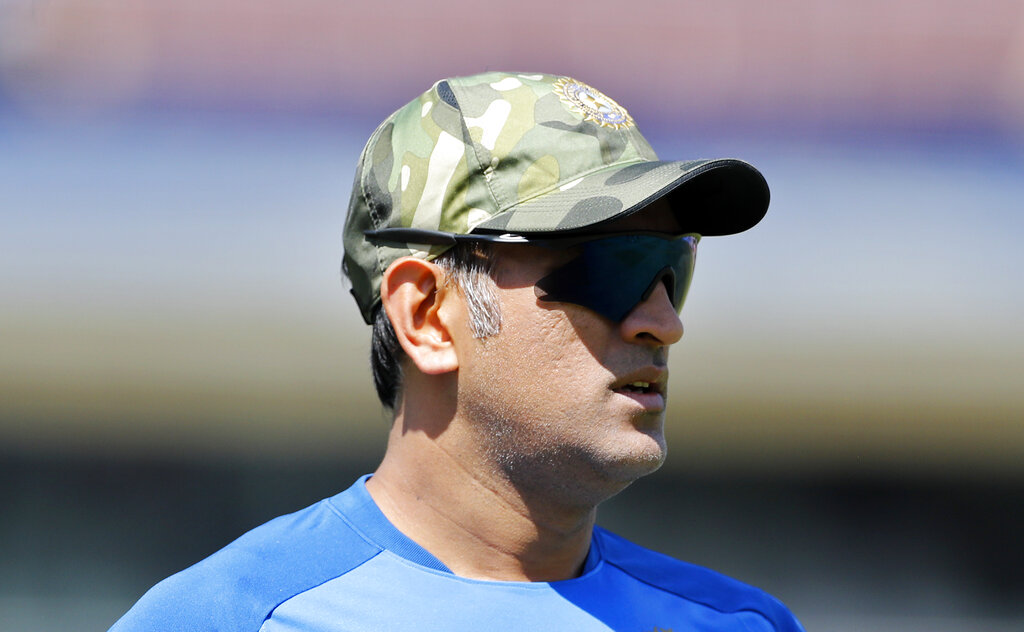 भारताला दुसऱ्यांदा वर्ल्ड कप जिंकून देणारा महेंद्रसिंग धोनी सर्वात अनुभवी खेळाडू आहे. आतापर्यंत त्याने तीन वर्ल्ड कप खेळले आहेत. तसेच, संघात विराट कोहलीला नेतृत्व करताना त्याची मदत होणार आहे.