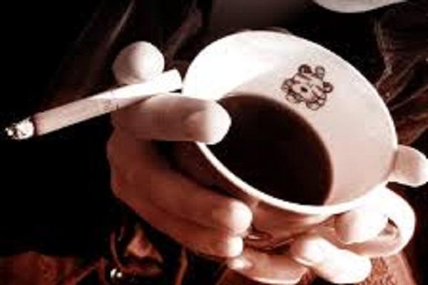 चहा गरम असो की थंड स्मोकिंग करताना त्याचे सेवन शरीरासाठी घातक आहे. यासाठी गरम पदार्थांसोबत स्मोकिंग करणे टाळा आणि डाएटकडे लक्ष द्या.