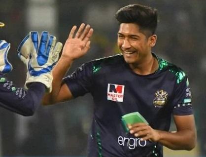 2016च्या अंडर 19 आशिया चषकात त्याने जबरदस्त कामगिरी केली होती. गेल्या हंगामात त्याने पाकिस्तान टेलीव्हिजनकडून 2 प्रथमश्रेणी सामने खेळले होते.