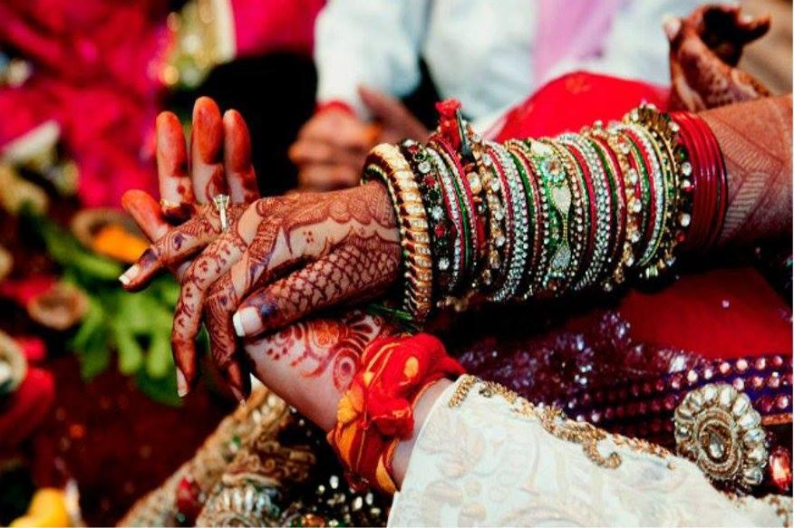 आंतरजातीय विवाह केल्यामुळे मुलाच्या काकांकडून छळ, विनयभंगाचा प्रयत्न