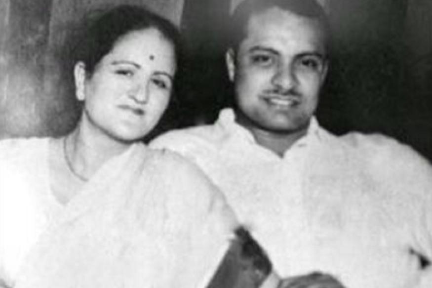 इंडोनेशियाच्या या कारवाईच्या प्रसंगी त्यांच्या सोबत त्यांच्या पत्नी ज्ञान पटनायक याही सोबत होत्या. तर मुलगा नवीन फक्त 1 महिन्यांचा होता. ते आता ओरिसाचे मुख्यमंत्री आहेत. तर भाजपला तिथे खिंडार पाडायची आहे. बाजू दांनी जकार्ताहून प्रमुख बंडखोर नेते सुल्तान शहरयार आणि सुकर्णो यांना नवी दिल्लीत आणलं होतं. त्यांनी नेहरूंसोबत चर्चा केली. इंडोनेशिया स्वतंत्र झाल्यानंतर सुकार्णो तिथले पहिले राष्ट्रपती बनले. नंतर बीजूदांना इंडोनेशियाची नागरिकता आणि भूमिपूत्र हा सर्वोच्च सन्मान देण्यात आला.