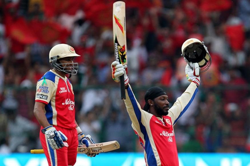 आपल्या या खेळीत गेलनं 17 षटकार आणि 13 चौकार लगावले होते. यासह त्यानं सर्वात जास्त धावा करण्याचा विक्रम आपल्या नावावर केला. केवळ 30 चेंडूत गेलनं आपलं शतक पुर्ण केलं. आजही आंतरराष्ट्रीय क्रिकेटमध्ये सगळ्यात जलद शतक करण्याचा विक्रम गेलच्या नावावर आहे.