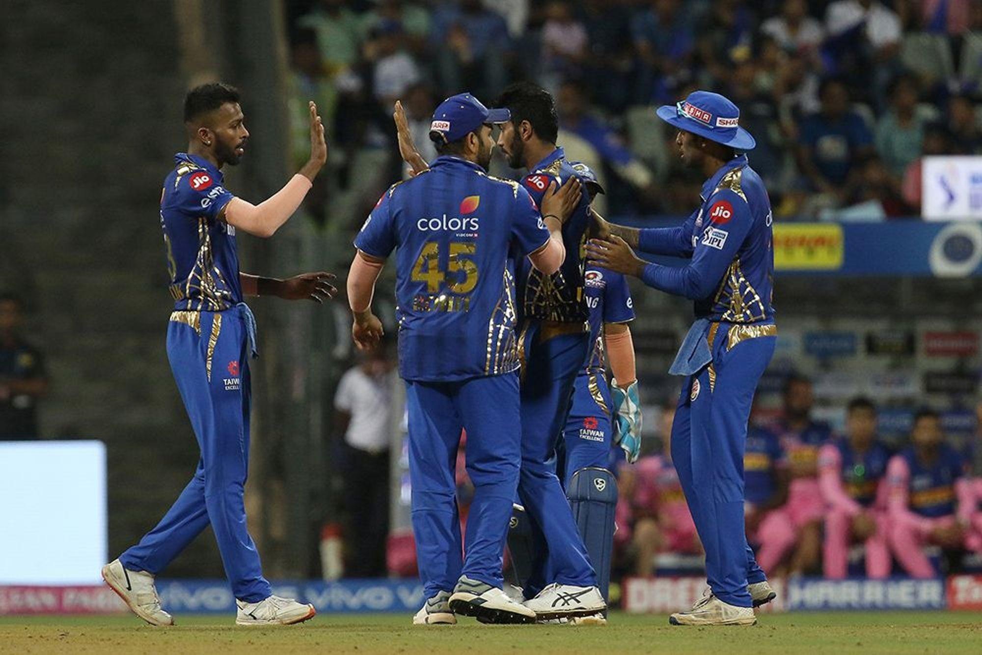 दिल्लीनंतर मुंबईने 10 पैकी 6 सामन्यात विजय मिळवला आहे. त्यांचे 4 सामने बाकी आहेत. यात चेन्नई वगळता इतर कोणत्याही संघाकडून पराभव झाला तरी 18 गुणांसह ते सीएसकेला मागे टाकतील.