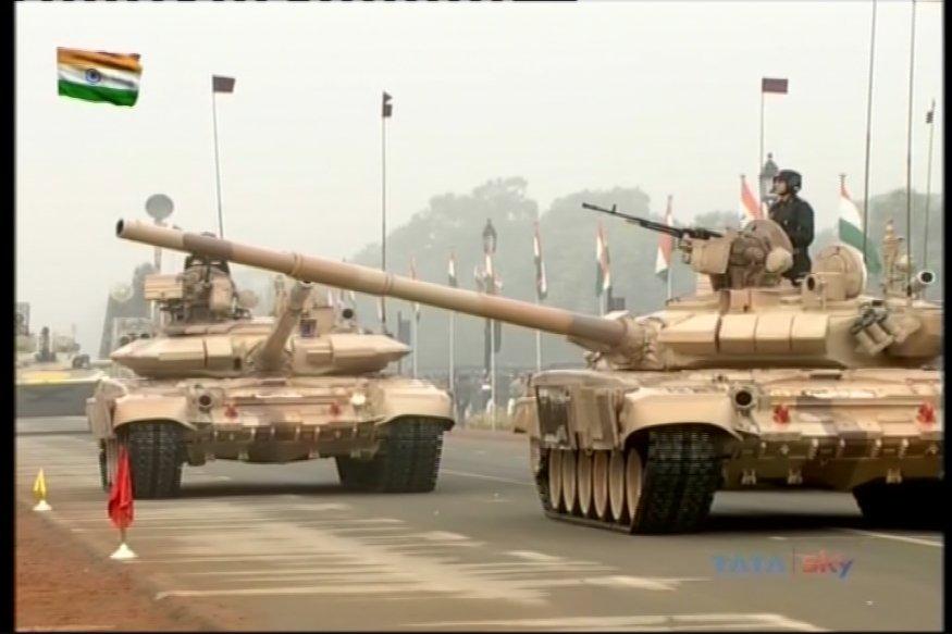 भारतीय सेनेत अर्जुन मार्क - 1 च्या दोन रेजिमेंट आहेत. हे रणगाडे वाळूमध्येही चालवता येतात.