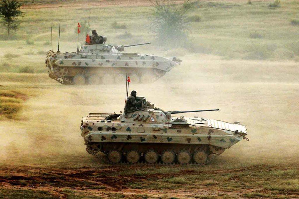भारत जे T-90MS रणगाडे रशियाकडून खरेदी करणार आहे ते रणगाडे T-90 या प्रकारातलेच आहेत. T-90MS रणगाडे रात्रीही शत्रूवर हल्ला करण्यासाठी सक्षम आहेत.
