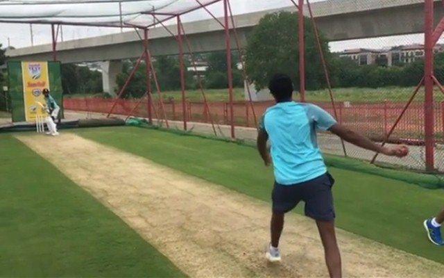 IPL 2019 : रसेल, गेल, धोनीची बोलती बंद...या गोलंदाजाला मारला नाही एकही सिक्स !