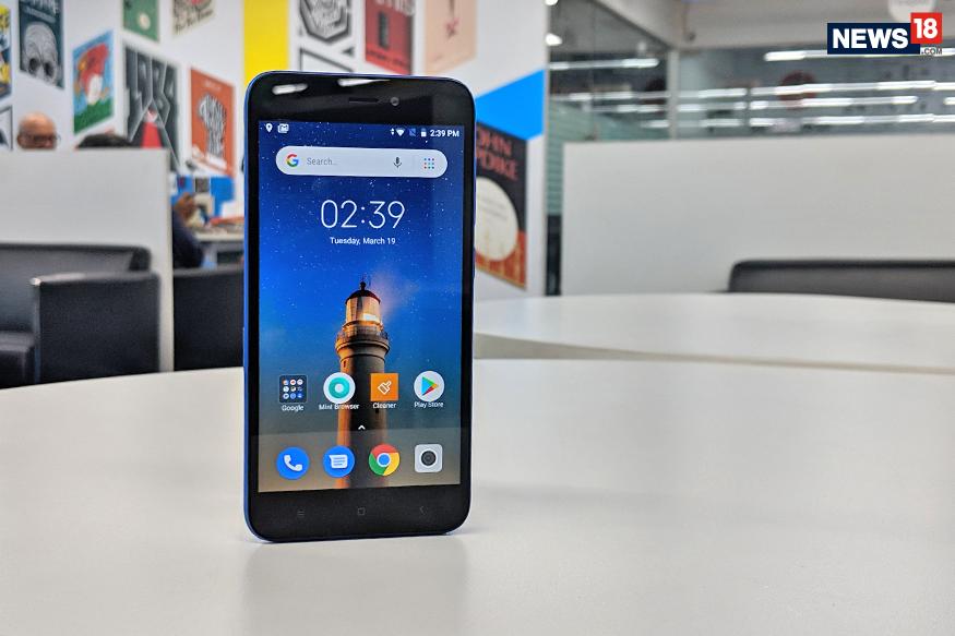 Redmi Go चा एचडी डिस्प्ले 5 इंच असून, त्यात 1.4GHz का Qualcomm Snapdragon 425 प्रोसेसर देण्यात आला आहे. तसंच 1GB RAM आणि 8GB इंटरनल स्टोरेज देण्यात आला आहे. या स्मार्टफोनची प्रणाली Android 8.1 Oreo Go Edition वर आधारित आहे.