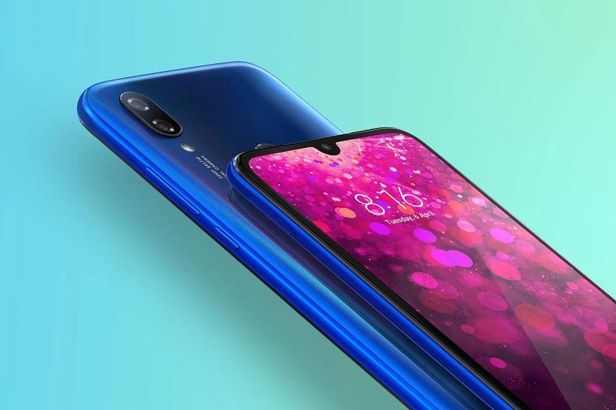Redmi Y3 - Xiaomi च्या Redmi Y3 या स्मार्टफोनमध्ये 3GB रॅम आणि 32GB इंटरनर स्टोअरेज देण्यात आलं आहे. ज्याची किंमत भारतात 9,999 रुपये आहे. तर 4G रॅम आणि 64GB स्टोअरेज असलेल्या व्हेरियंटची किंमत 11,999 रुपये आहे. या स्मार्टफोनचा पहिला सेल 30 एप्रिलला दुपारी 12 वाजता Amazon आणि Mi स्टोर्सवर सुरू होणार असल्याचं कंपनीने म्हटलं आहे.