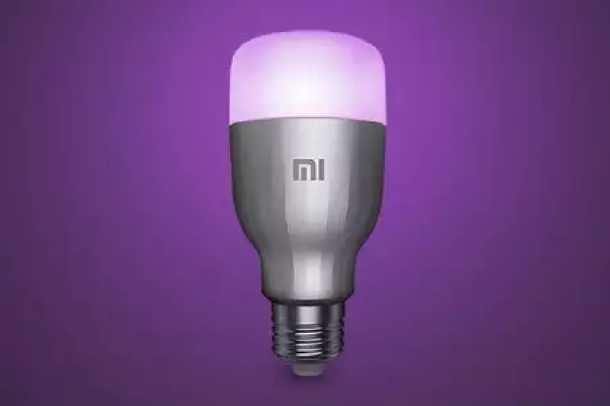 Xiaomi ने या दोन स्मार्टफोनबरोबरच Mi LED Smart Bulbसुद्धा भारतात लॉन्च केला. या LED Smart Bulbची लाईफ 11 वर्ष असल्याचा दावा कंपनीने केला असून, 26 एप्रिलपासून Mi.com वरून ते खरेदी करता येतील असं कंपनीने म्हटलं आहे.